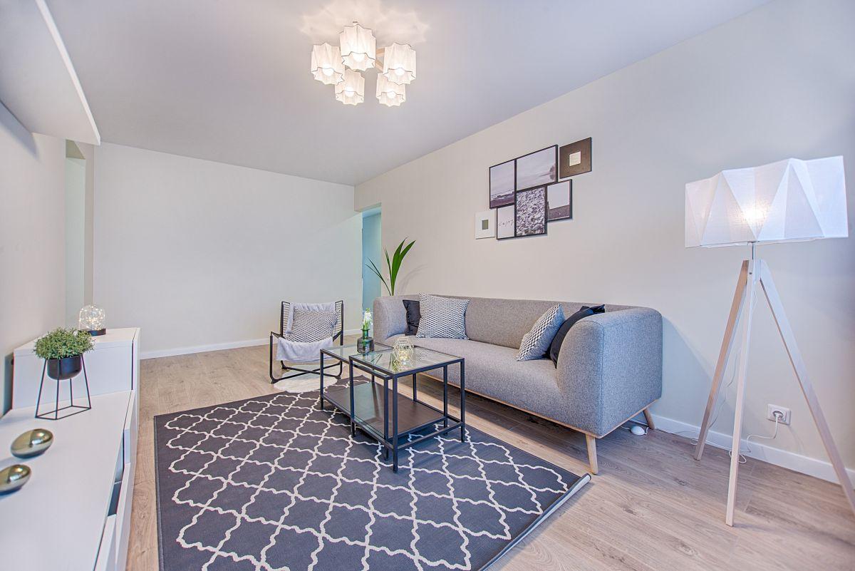 https://www.intarzia.ro/wp-content/uploads/2019/06/apartment-architecture-chair-1.jpg